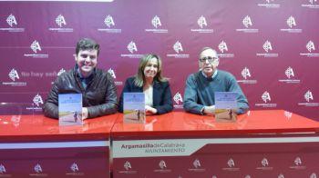 """Jacinta Monroy y la Asociación de Amigos de la Ruta Jacobea de los Calatravos se comprometen a presentar """"De la Mancha a Santiago"""" en Argamasilla de Calatrava"""